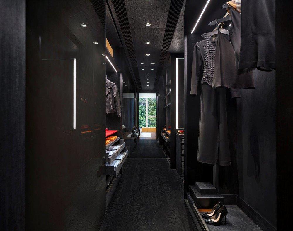The Morgan Sky Duplex - Walk-in Closet (Credit_Lit Ma Common Studio Limited).jpg