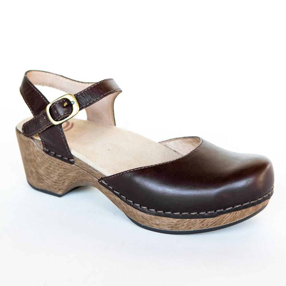 Close-toed Sandal