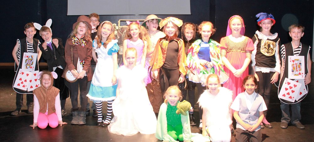 Alice in wonderland cast - Copy (2).JPG