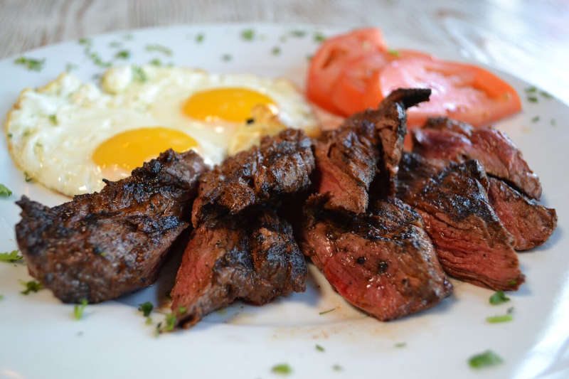 steak & eggs.JPG