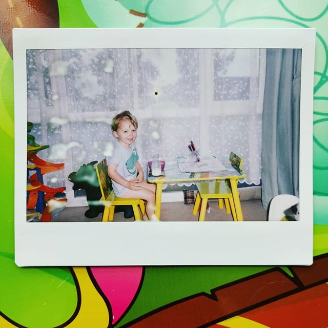 Breakfast time 🍎🥞🥛 #mumlife #breakfast #kidsofinstagram #polaroid