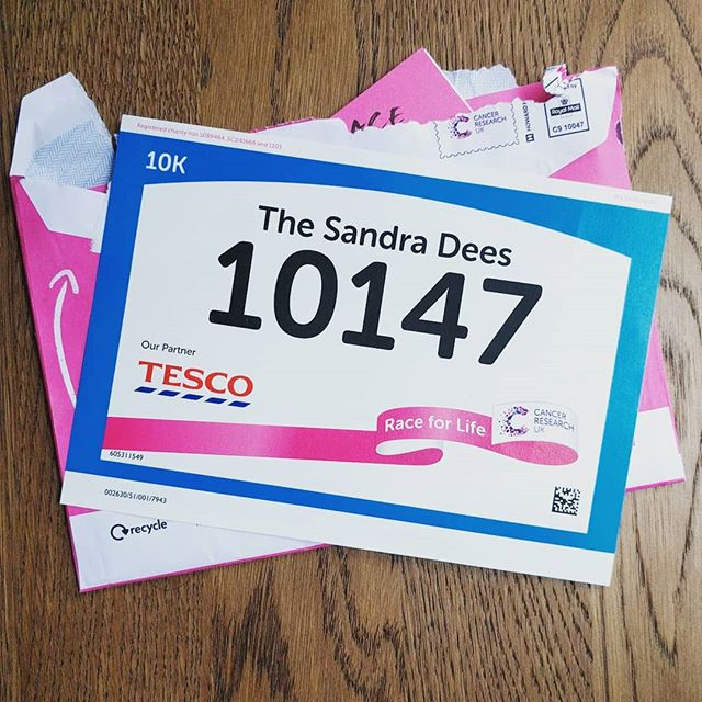 It's here! My RaceForLife pack. We are running in support of my incredible Auntie ❤️ & so many who are affected by Cancer. Our team 'The Sandra Dee's' are close to obliterating our target 💪 If you want to donate & say FUCK YOU CANCER, link is below & in the bio 🤗❤️ xxx  https://fundraise.cancerresearchuk.org/team/the-sandra-dees  #cancerresearch #raceforlife #family #raiseawareness #raisemoneyforcancer