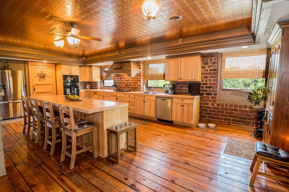 terry towers - home for sale in Benton Illinois
