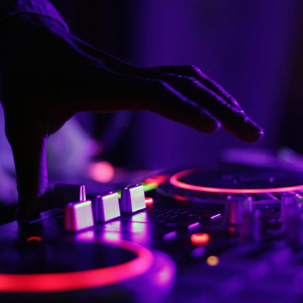 DANCE & ELECTRONIC -