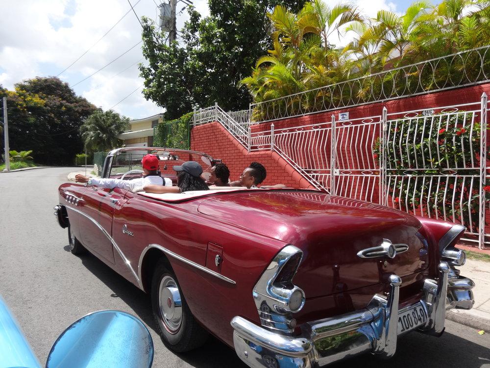 """"""" Diaspora À La Carte Experience - Tour:   Classic Car Ride - La Habana, Cuba"""