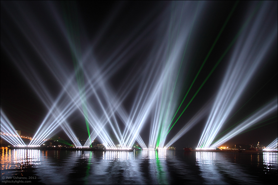 vladivostok-russia-apec-summit-light-show-5.jpg