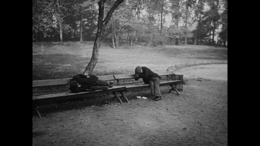 People on Sunday - 1930