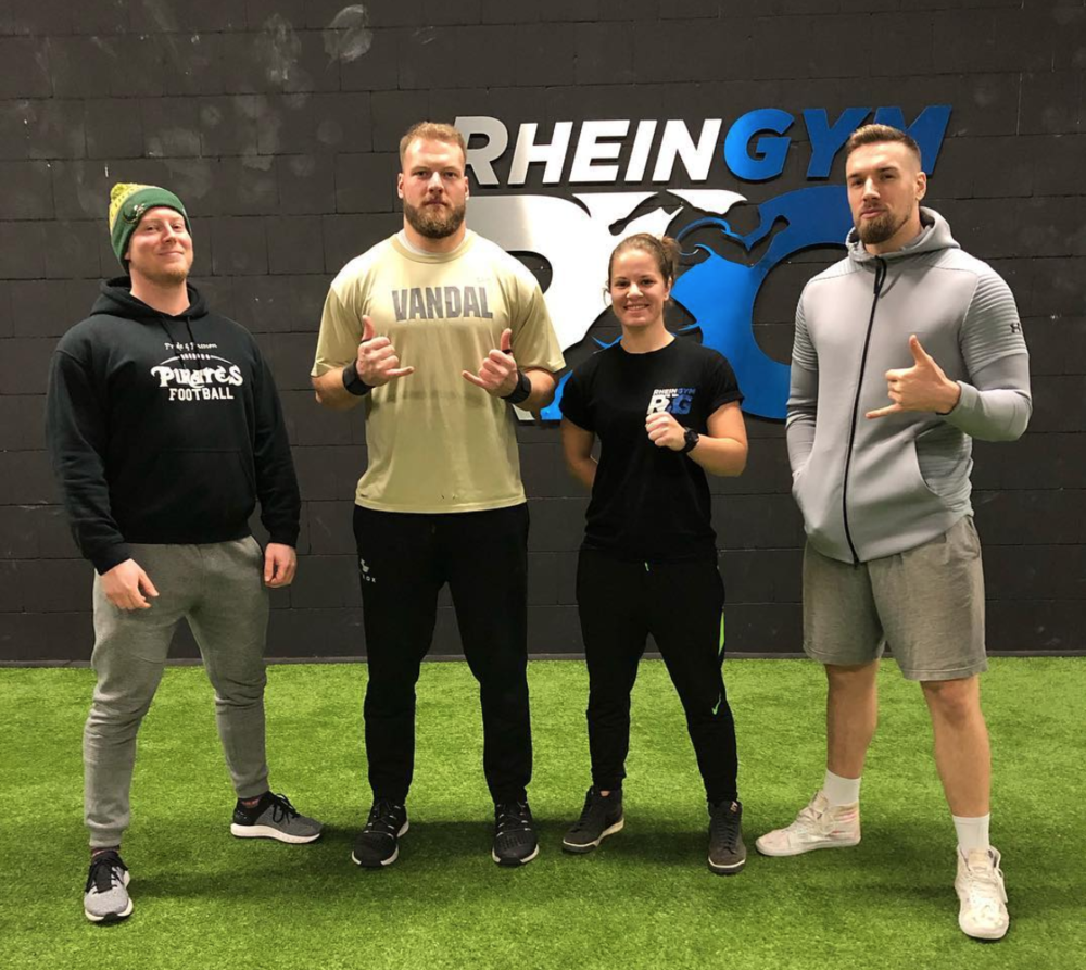 My dudes. Colleagues in Köln who are current and up-and-coming strength coaches. Training partners. I'm lucky to be able to share the love and the knowledge with these buff boys.