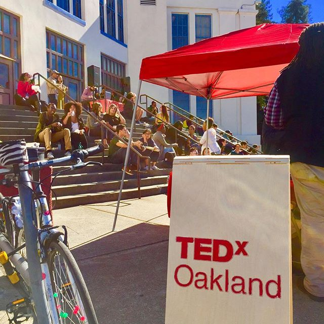 Sunshine in #TEDxOakland! We are having so much fun here! Great ideas worth spreading. Don't forget we have more great speakers lining up after our lunch break! Come and join us! #shapingtomorrow #oakland #sunshine #oaklandisbeautiful