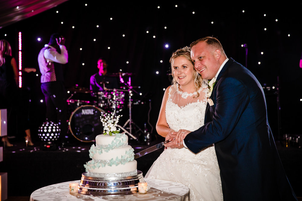 cardiff-wedding-photographer-coombe-abbey-28.07.2018-136.jpg