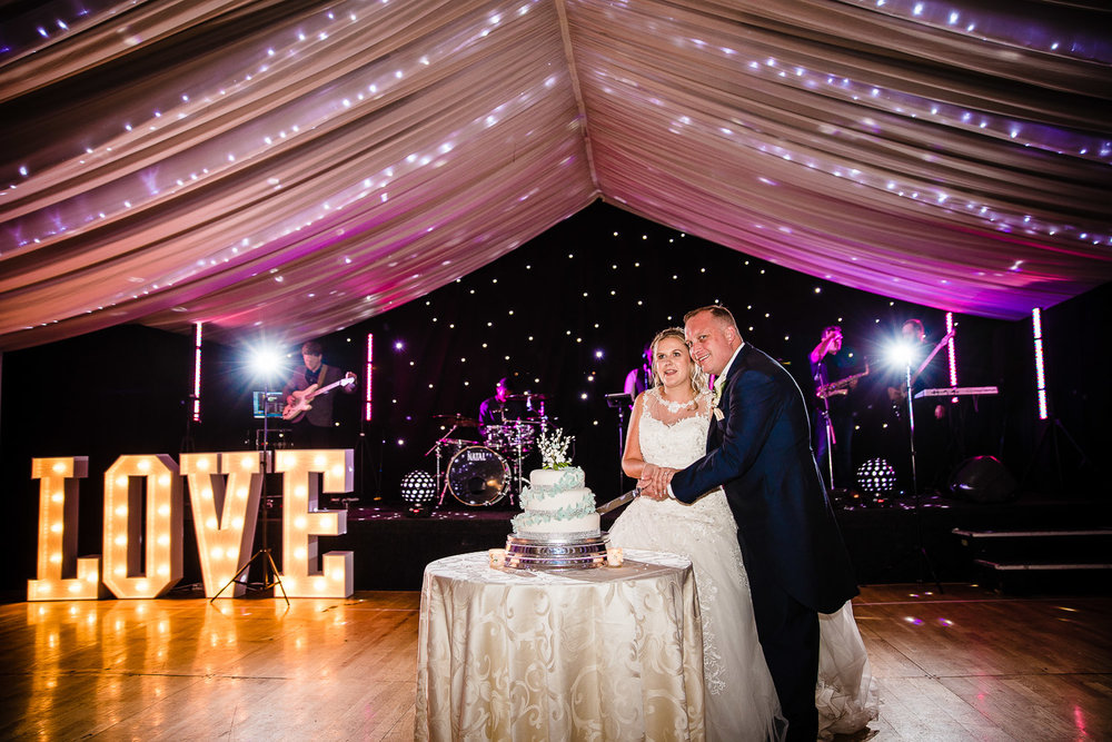 cardiff-wedding-photographer-coombe-abbey-28.07.2018-142.jpg