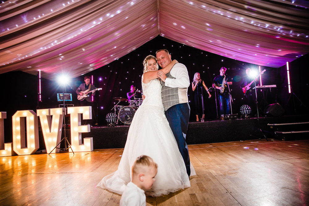 cardiff-wedding-photographer-coombe-abbey-28.07.2018-146.jpg