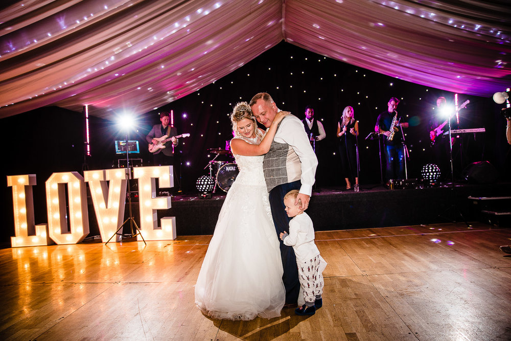 cardiff-wedding-photographer-coombe-abbey-28.07.2018-147.jpg