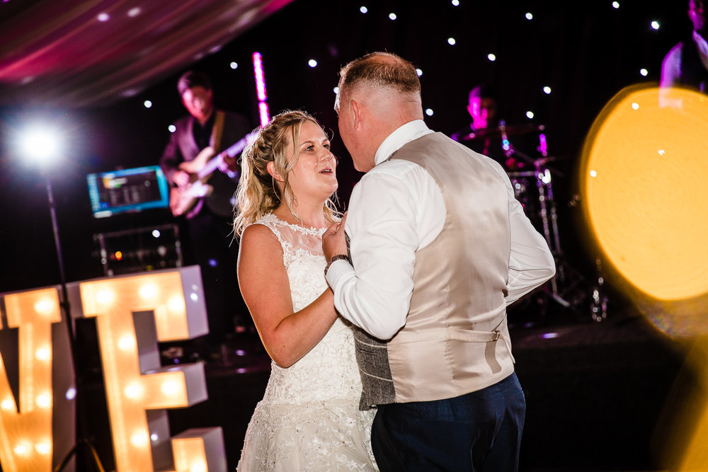 cardiff-wedding-photographer-coombe-abbey-28.07.2018-149.jpg
