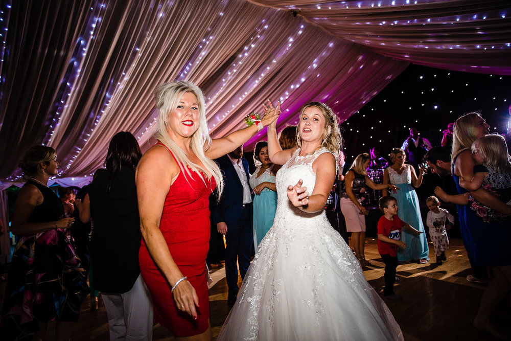 cardiff-wedding-photographer-coombe-abbey-28.07.2018-162.jpg