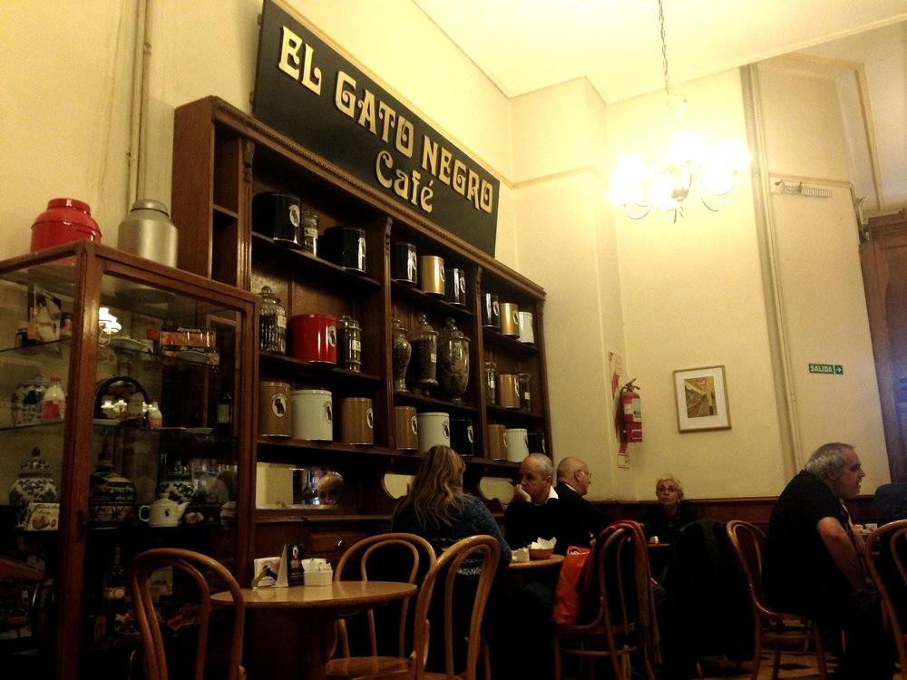 El Gato Negro Bar. Photo by Allison Yates