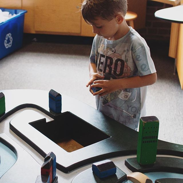 Children's Museum build-a-city—it's been a summer of children's museums #neworleans #nola #neworleanschildrensmuseum #louisianachildrensmuseum #blocks #artsdistrict #downtownnola #summer2018 #family #weekendtrip