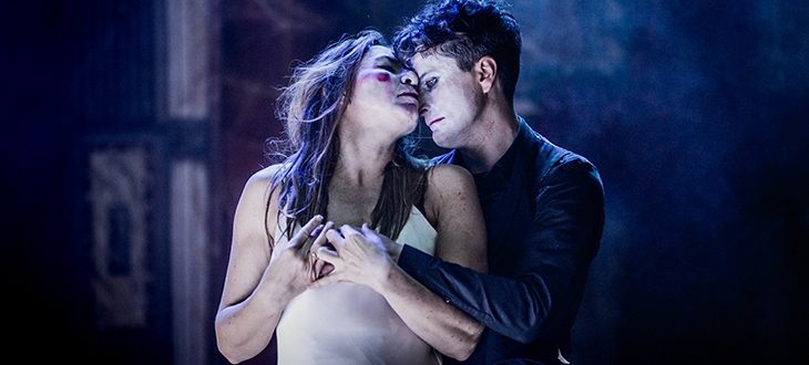 Images from  http://www.shakespearesglobe.com/theatre/whats-on/globe-theatre/romeo-and-juliet-2017