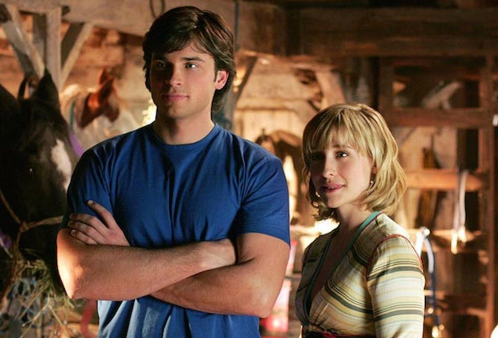 Tom Welling as Clark Kent and Allison Mack as Chloe Sullivan from  Smallville