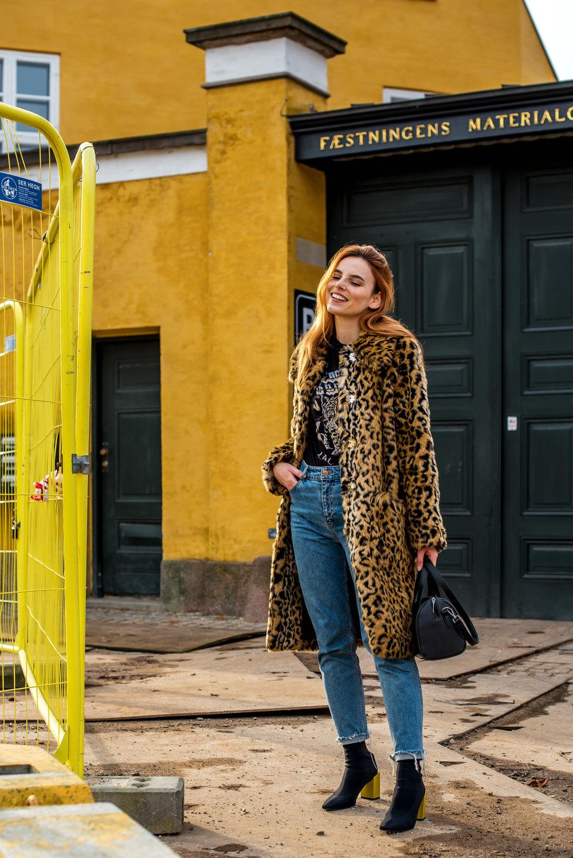 H&M x Erdem jacket // Lala Berlin T-shirt // Matt & Nat bag // H&M jeans // Mango boots