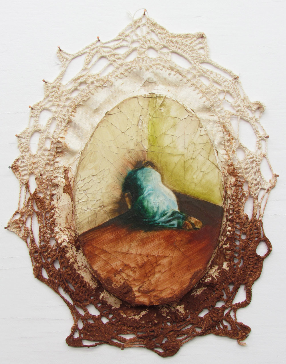 talvez-por-efeito-do-quotidiano--ost-madeira--crochet-em-barbante-de-lona--terra--resina-35x30cm--2012_1250.jpg