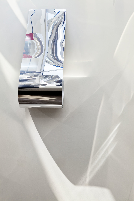 70-Tight-Vert-Detail-5-sm.jpg