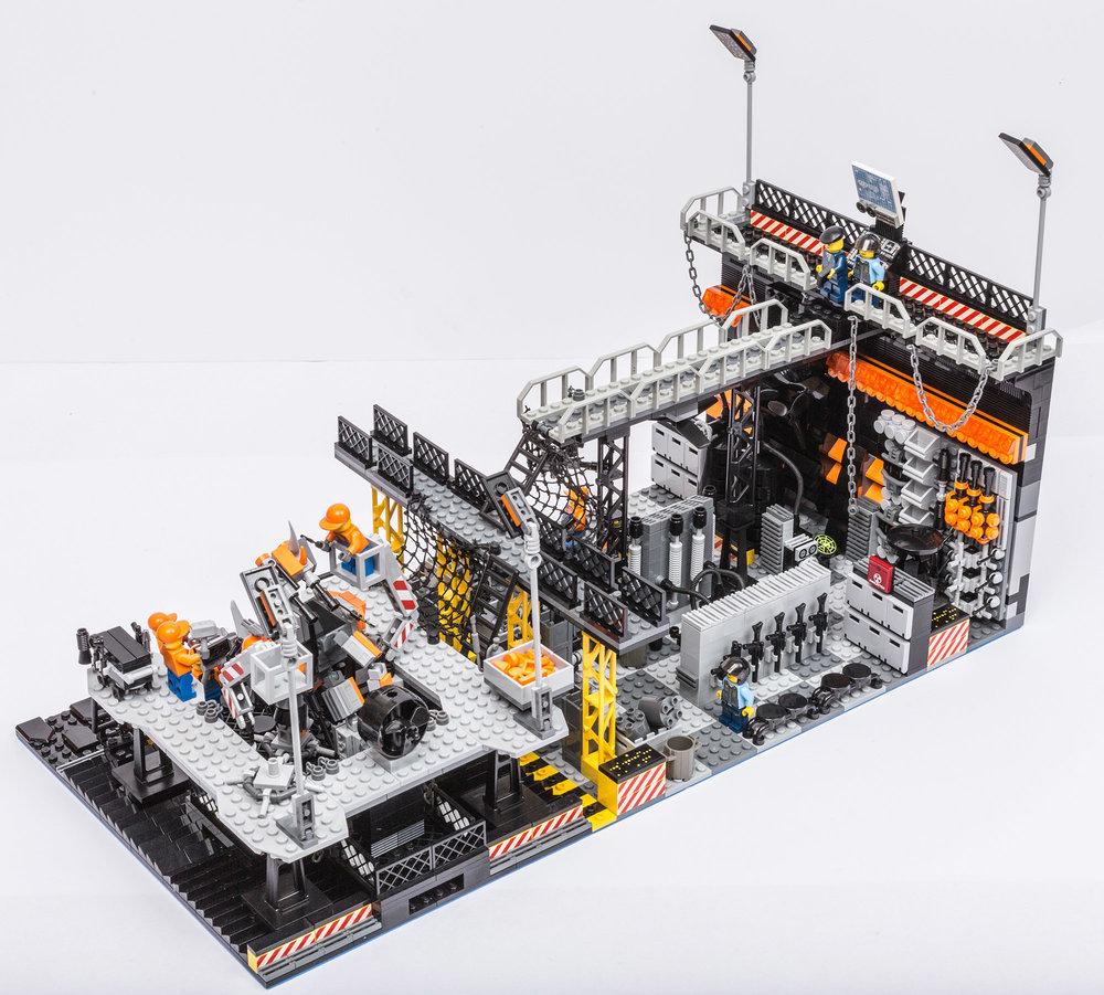 1018_LegoMOC_ThundersuitLaunchbay-7673.jpg