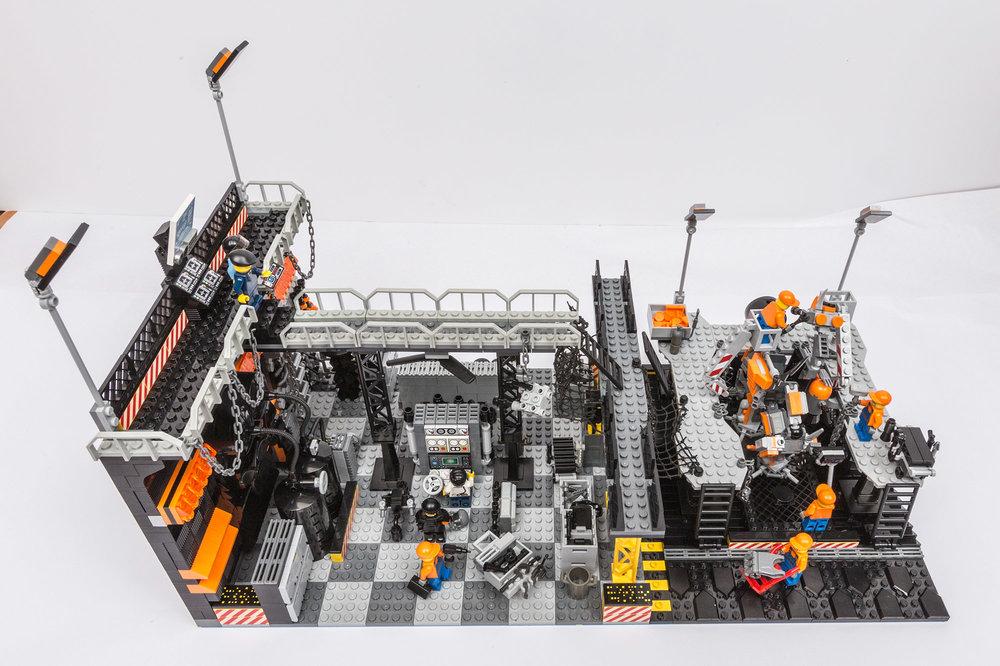1018_LegoMOC_ThundersuitLaunchbay-7683.jpg