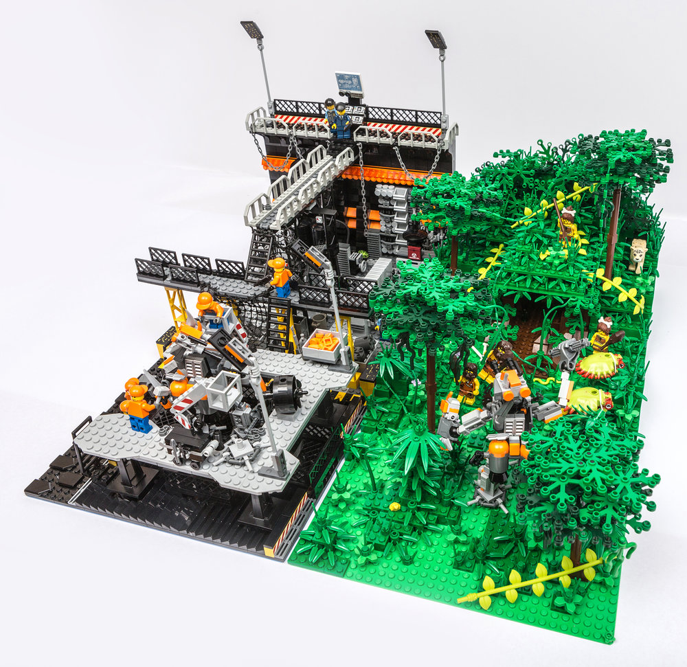 1018_LegoMOC_ThundersuitLaunchbay-7758.jpg