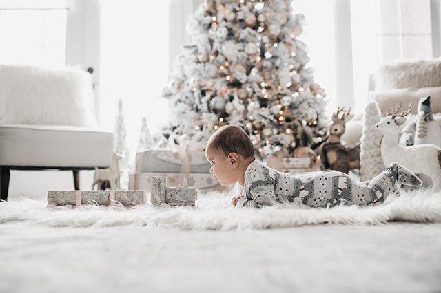 The cutest ❤️ • • • • • #candidchildhood #magicofchildhood #childhoodunplugged #thebloomforum #pixel_kids #clickinmoms #momtogs #littleandbrave #letthekids #letthembelittle #thatsdarling #mom_hub #cameramama #dearphotographer #documentyourdays #kidsforreal #kidswhoexplore #babiesofinstagram #michellelinaphotography