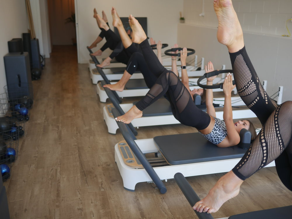 REFORMER PILATES-single leg bridge