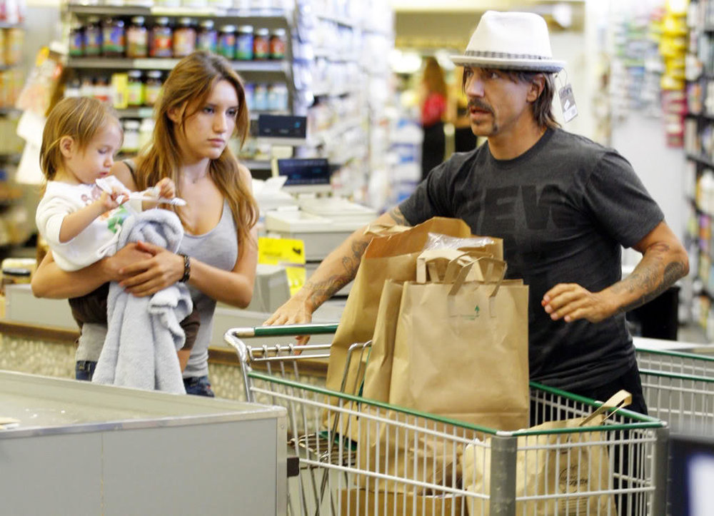 Anthony Kiedis - The Red Hot Chilli Peppers lead singer has a soft spot in his heart for animals. After learning that people are taking far too many fish out the sea that can be accounted for, Anthony Kiedis decided to turn vegan. A farming documentary about cows sealed the deal for him, although he has admitted to slipping up and