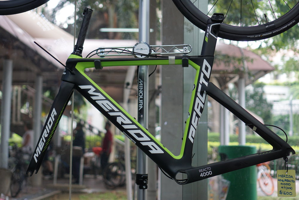 2016 Reacto 4000 - (SOLD)Frameset only. The frame is a x.small size (47cm), suitable for heights 166cm - 171cm. For more details, please drop us a query here.