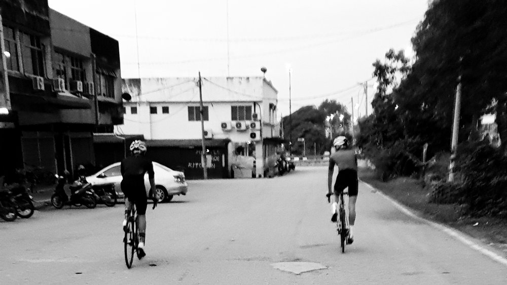 06:52 Set off for a quick ride from Yong Peng to Paloh