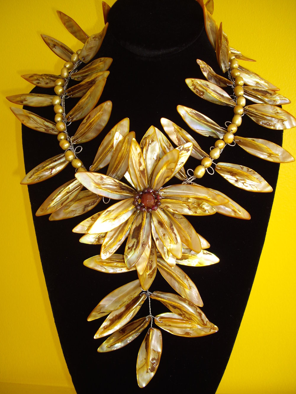 ctacc_golden-toned_maile_necklace.jpg