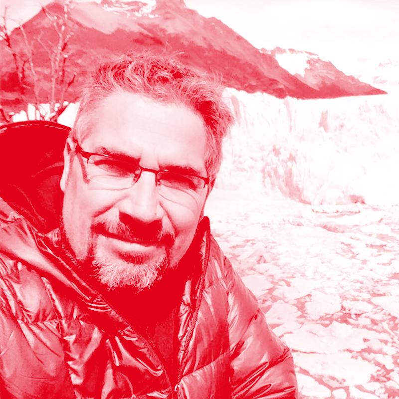 Asesor Diseño de Experiencia   Edgardo Vega   ¿Qué significa Antártica para ti?    Antártica para mí representa la oportunidad de descubrir y vivir los valores de la humanidad del futuro.   Tu TED Talk imperdible    ¿Cómo encontrar una idea maravillosa?
