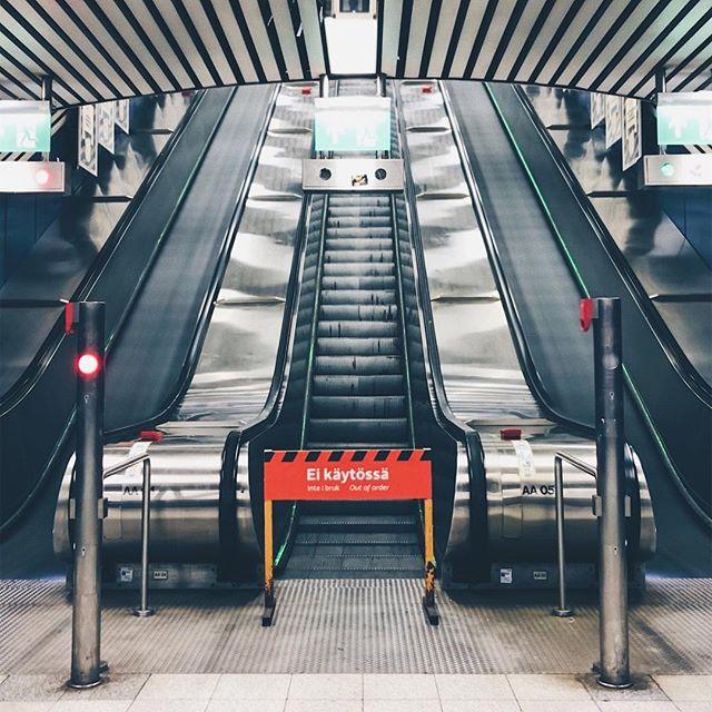 🚧 • • • • #longexposure #longexposure_shots #streetphotography #subway #urbanphotography #urban #myhelsinki #visithelsinki #helsinki #hakaniemi #photography #art #visualart #visualsoflife #visualambassadors