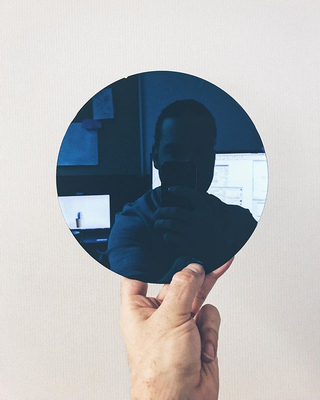 Silicon wafer célfie • • • • #celfie #selfie #wafer #siliconvalley #silicon #siliconwafer #engineering #science