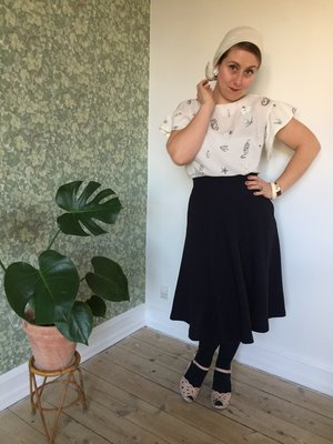 The blouse is my free sewing pattern No. 00 DANMARK  The skirt is a skirt made out of my No. 5 ÅRHUS sewing pattern -