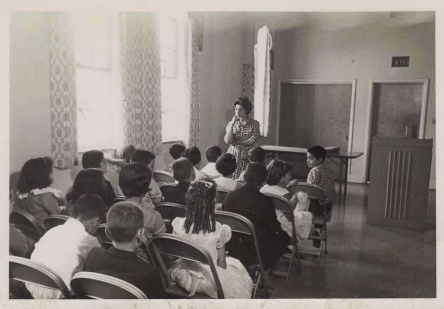 Youth class, Toledo 1965.Courtesy of Islamic Center of Greater Toledo ( icgt.org )