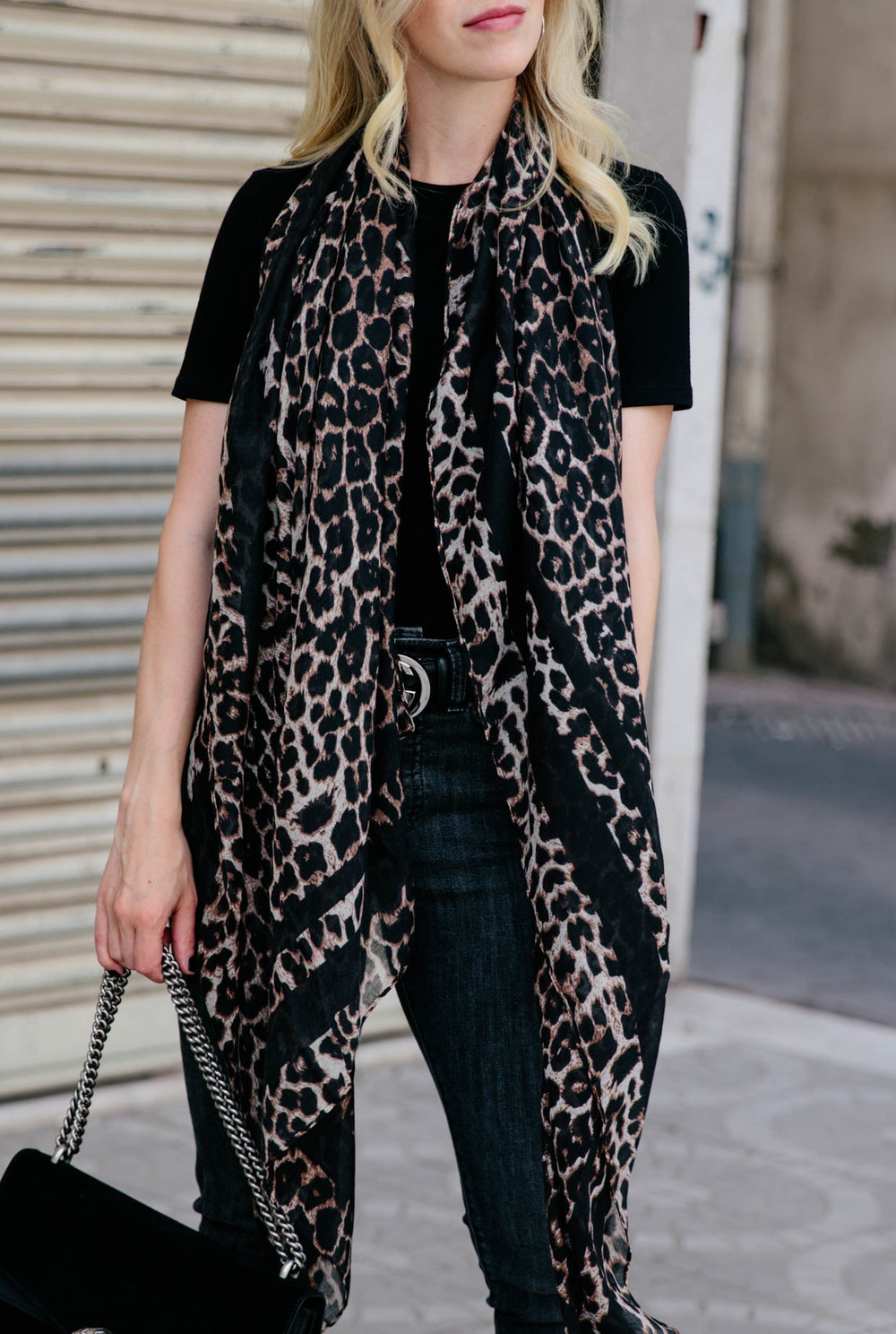 How-to-wear-a-leopard-print-scarf-for-fall-fall-2018-trends-leopard-print.jpg