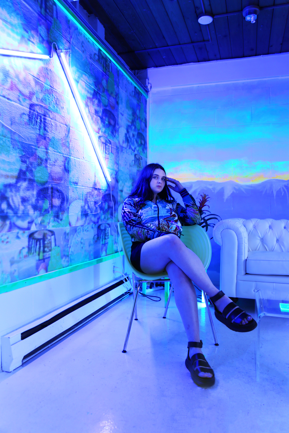 This enigmatic Seattle-based interior designer and artist is actualizing her evocative 3D interiors to their fullest fantasy. - Abby Dougherty, working under the moniker of Neon Saltwater, engages in stylistic references to construct these emotive, lush interior spaces.With her first solo exhibition, UNVIRTUAL,and recent installations at Seattle Art Museumand Out of Sight, Dougherty's work is exemplary for the craft's aesthetic potential to redefine spatiality.