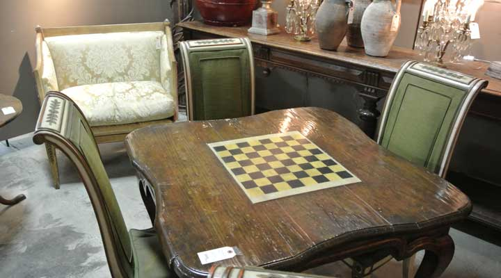 estate-sale-furniture.jpg
