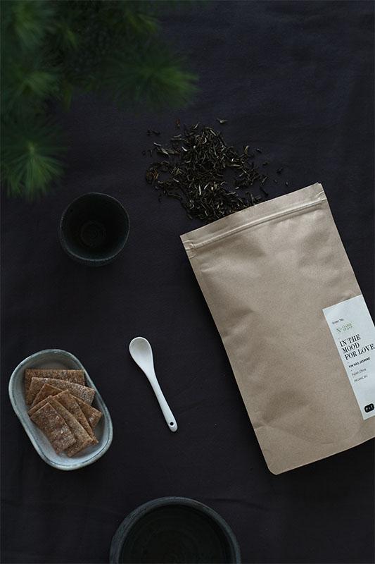 paperandtea_inthemoodforlove_green_tea.jpg