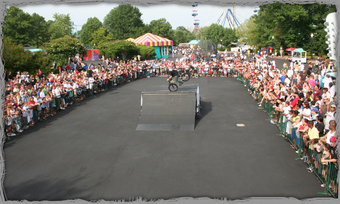 King's Dominion Theme Park Stunt Shows