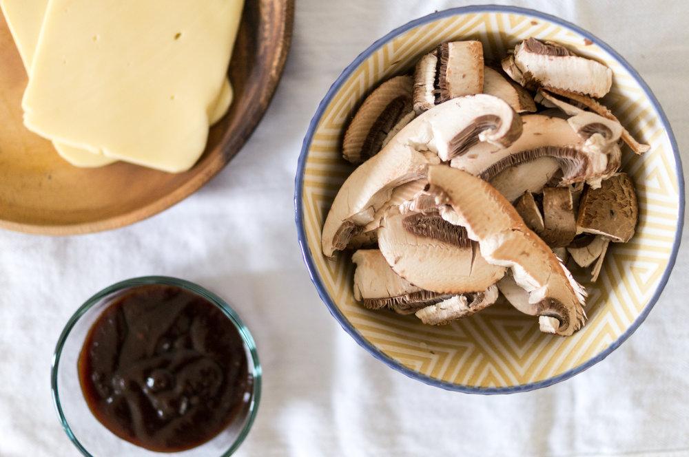 mushroom burgers-3.jpg