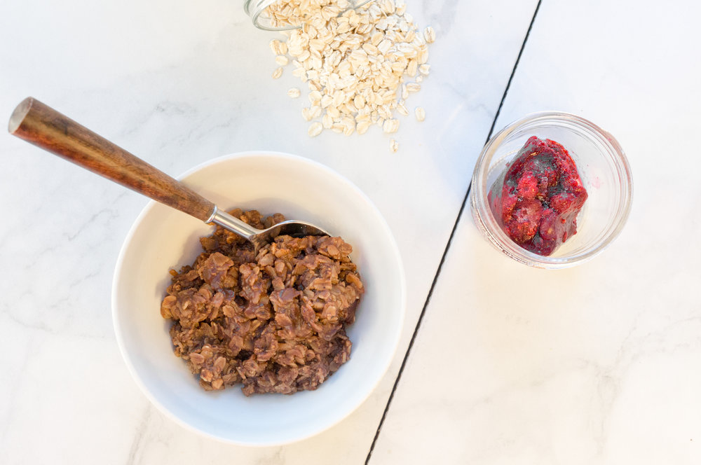 Vegan food, vegan recipes, vegan food blogger, chicago blogger, rorie raimondi, i am rorie, chicago food blog, food blogger recipes, easy to make vegan recipes, whole foods, easy to make oatmeal, easy to make vegan oatmeal, easy to make vegan breakfast,easy vegan chocolate recipe, quick vegan oatmeal, quick oatmeal recipe, rolled oats, cacao powder, maple syrup, raspberries, protein powder, vegan protein powder, vegan comfort food, easy meals, fall food, fall meal, easy comfort food,simple vegan food, one pot meal, quick vegan breakfast, quick vegan breakfast, vegan breakfast, vegan sweets, quick vegan meals