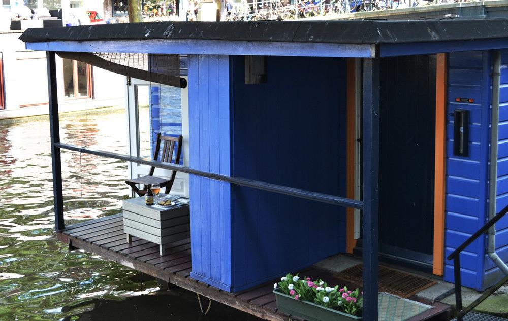 urbanbacklog-amsterdam-canal-houses-5.jpg