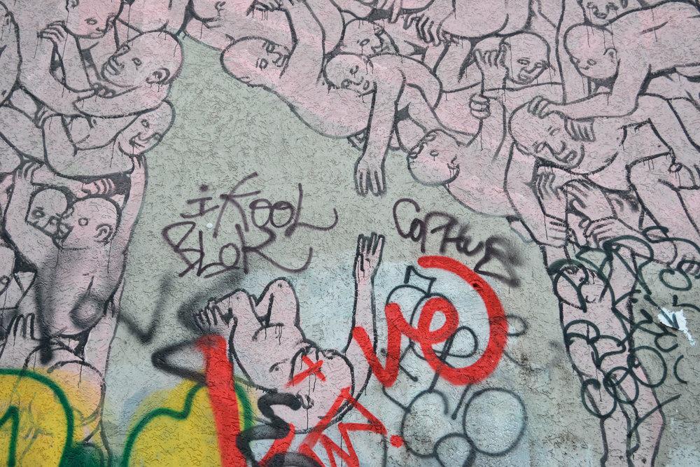 urbanbacklog-berlin-blu-pink-man-4.jpg
