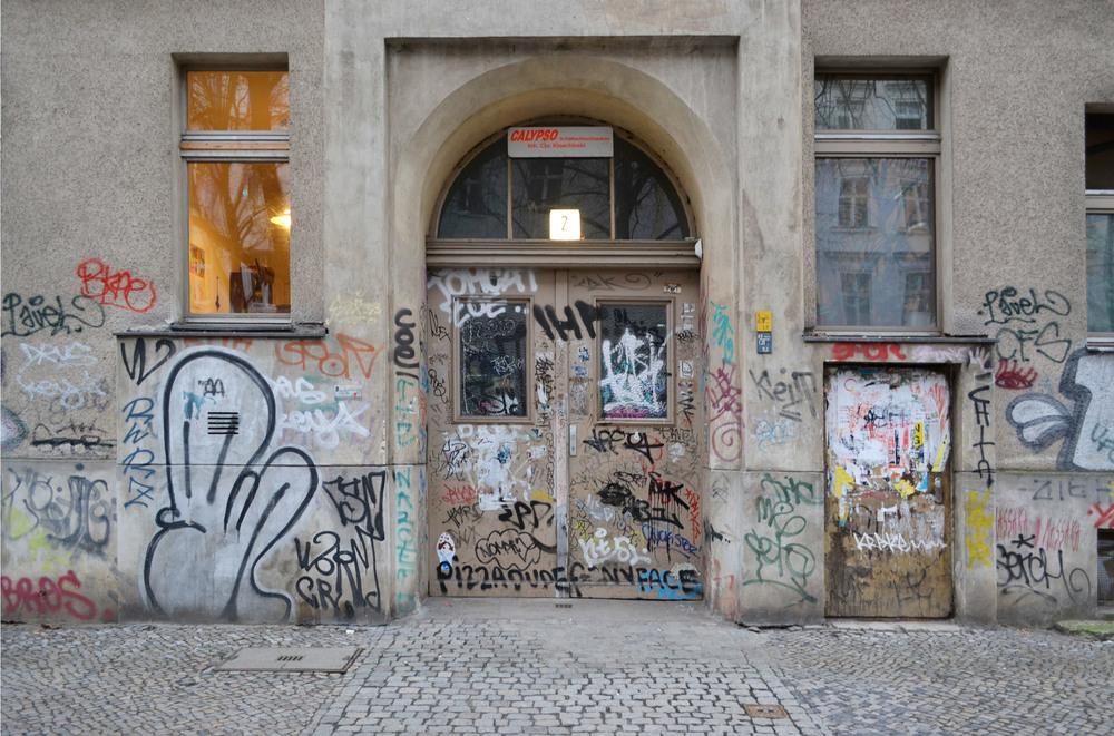 urbanbacklog-berlin-halfway-graffiti-1.jpeg